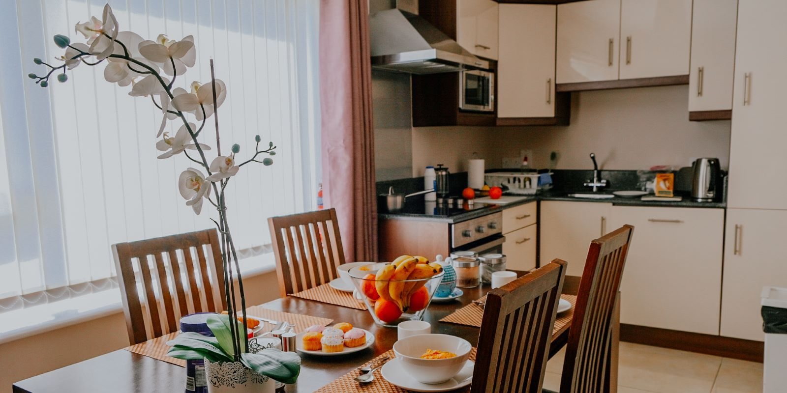 Fully equipped kitchen at Five Lamps Suites_self catering apartments in Dublin Ireland